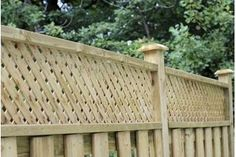 5 Prosperous ideas: Modern Fence Slats Privacy Fence For Acre.Privacy Fence For 3 Acres Wood Fence Fencing Ideas. Privacy Fence Designs, Privacy Fences, Privacy Trellis, Privacy Screens, Bamboo Fence, Metal Fence, Wire Fence, Fence Stain, Concrete Fence