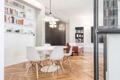 Iron-framed glass panels divide Rome apartment with open-plan feel Apartment Interior Design, Living Room Interior, Interior Styling, Interior Architecture, Interior And Exterior, Rome Apartment, Glass Partition, Office Interiors, White Interiors