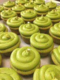 ShowFood Chef: Matcha Green Tea Cupcakes with Matcha Green Tea Butter Frosting