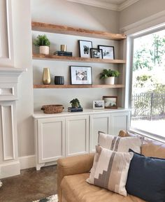 New Living Room, Home And Living, Living Room Decor, Built In Shelves Living Room, Decorating Living Room Shelves, Decoration Inspiration, Living Room Inspiration, Home Remodeling, Living Room Designs