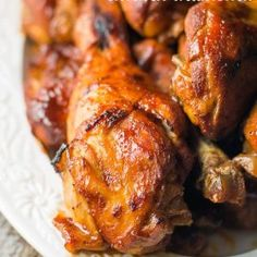 Crock Pot Chicken Drumstick Recipe: Easy crock pot recipe for chicken legs. So flavorful and our trick to getting that off the grill taste! Crock Pot Slow Cooker, Crock Pot Cooking, Slow Cooker Chicken, Slow Cooker Recipes, Crockpot Recipes, Cooking Recipes, Bbq Chicken Legs Crockpot, Chicken Drummies Recipes, Plate