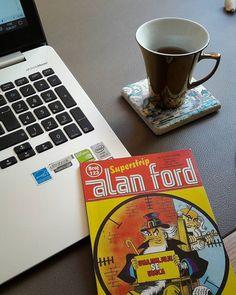 Stari poklon,medju knjigama...Alan Ford br.123 Bana taa Ekim 2013'te gelen bir Alan Ford, kitaplar arasında buldum ofiste; ...eh,malum Pazartesi...🙃 #alanford #1969 #superstripe #maxbunker #october2013 #workingspace #newweek #mondaymood