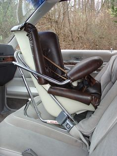 Pretty sure this was similar to our childhood car seats Retro Baby, Baby Memories, My Childhood Memories, Rear Facing Car Seat, Old American Cars, Prams And Pushchairs, Classic Toys, Old Toys, The Good Old Days