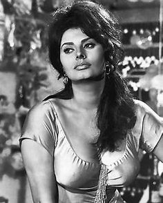 Kuvatulos haulle photos of sophia loren at her sexiest