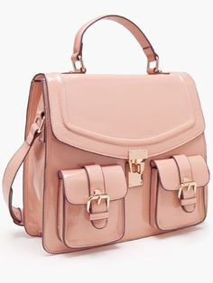 Cute Backpacks That Will Totally *Make* Your Outfit at School Pair this sleek satchel with a blazer and ballet flats!Pair this sleek satchel with a blazer and ballet flats! Mk Handbags, Purses And Handbags, School Handbags, Handbags Michael Kors, Michael Kors Bag, Designer Handbags, Komplette Outfits, Mk Bags, Cute Purses