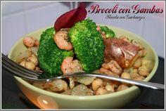 Brócoli con gambas, patatas y guisantes. Recetas sanas y saludables.
