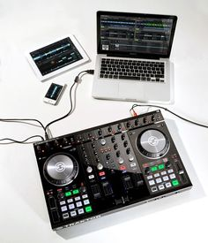 Traktor New Technology Music Do, Music Stuff, Dj Kit, Music Production Equipment, Dj Steve, Dj System, Computer Music, Digital Dj, Instrumental Beats