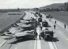 Aircraft Nut: Swiss Air Force Jets Landing on the Highway
