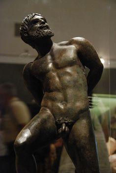 Great classic bronze sculpture.