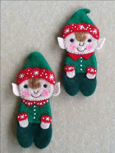I love these adorable little Elves! There are no instructions, but I'd love to try to make some like these.
