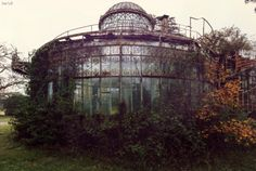 Abandoned Greenhouse Photos Nicolas Mas Abandoned Buildings, Abandoned Places, Architecture Tumblr, Inflatable Island, Unicorn Inflatable, Glass House, Interior Exterior, Garden Inspiration, Deco