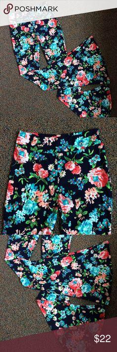 💐Floral Bell Bottom Leggings Fun leggings, super wide bell opening at ankle hem. Open to offers! (Listed as Lulu for exposure) lululemon athletica Pants Leggings