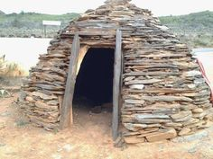 Vernacular Architecture - Simplicity at it's best - One component - Stone Vernacular Architecture, Firewood, Building A House, Alternative, Construction, Stone, Image, Shells, Plastic
