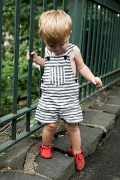True Bias | Urban Sewing and Patternmaking - Vintage Simplicity Toddler Overalls in black and white striped linen