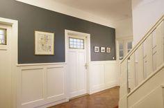 Inspiratie | Door een houten | lambrisering | geef je jouw huis de | uitstraling | die het | verdient.