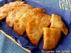 Calzoncini fritti | Impasto senza lievito