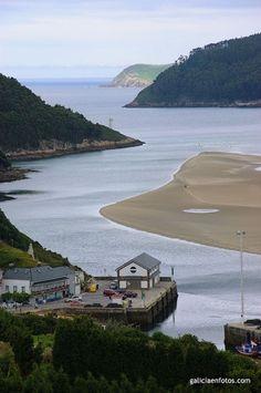 Frontera entre Coruña y Lugo  . Aquí tenéis la línea que divide Coruña y Lugo al norte, la ría del Barquero hacia el norte. A la izquierda la provincia de Coruña, con el pueblito del Barqueiro en primer término