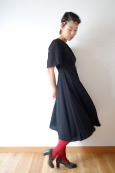 Black crepe dress bell sleeves XS  S vintage from by kamomeya