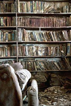 #abandoned #books