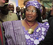 Numero quaranta: Her Excellency Dr Joyce Hilda Banda (née Mtila; born 12 April 1950) is a Malawian politician who was the President of Malawi from 7 April 2012 to 31 May 2014. She is the founder and leader of the People's Party, created in 2011. Fonti: Wikipedia.
