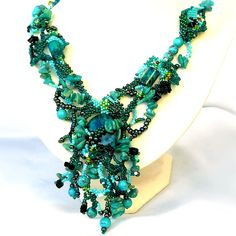 Free form beaded jewelry by Ibolya Barkoczi, turquoise