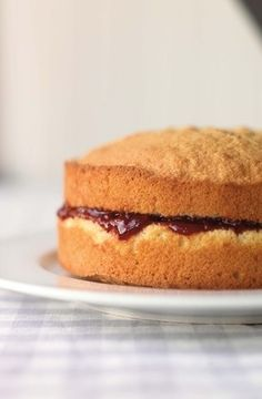 The Great British Bake Off: how to bake the perfect Victoria sponge - MyDaily UK