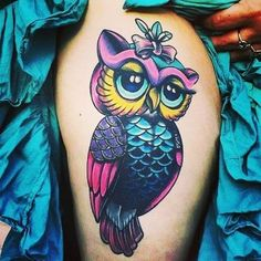Owl tattoo, traditional style, Holly City Tattoo, girls with tattoos, color satu. Hand Tattoos, Free Hand Tattoo, Feather Tattoos, Body Art Tattoos, Sleeve Tattoos, Tattoo Sleeves, Tattoo Girls, Girl Tattoos, Trendy Tattoos