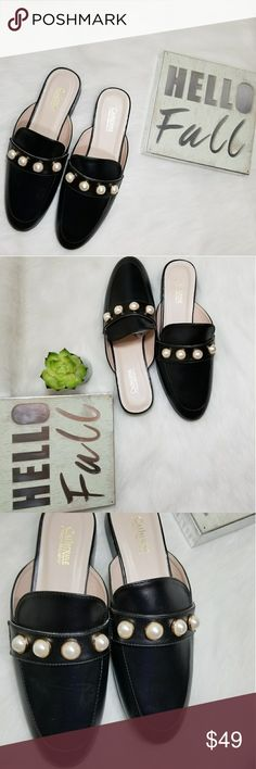 Catherine Malandrino Quentin Faux Pearl Mules Shoe Up for sale Catherine Malandrino Quentin Faux Pearl  Black Leather Mules . Catherine Malandrino Shoes Mules & Clogs