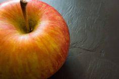 Walnuss-Rösti mit Apfel-Gemüse Apfel mit rosa Pfeffer als Rösti-Beilage - müsst ihr ausprobieren!