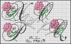 CHARMS w punkcie krzyża: Monogram Roses
