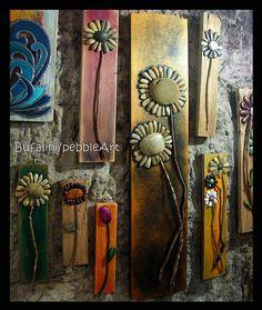 Michela Bufalini – Stone painter ... ogni sasso, anche il più comune, nasconde un'immagine… io cerco di trovarla… M. Bufalini Quando si parla di arte l'immagine iconica che viene in mente è quella di un pittore nell'atto di dipingere una tela su cavalletto. Ma la tela non è l'unico supporto adatto alla pittura: cartone, carta, … Continua a leggere »