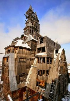 Unusual Homes -Wooden Gagster House – Arkhangelsk, Russia