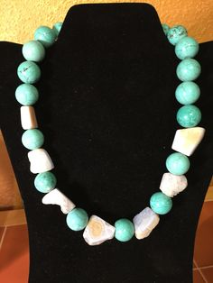 Chunky turquoise and Quartz necklace