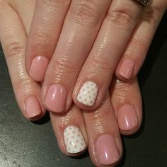 Simple yet glamorous! Gel Polish with polka dot accents, always a favorite of ours @seasonssalonanddayspa #NailsbyTaisly #seasonssalonanddayspa #gelpolish #nailart #handpainted #Padgram