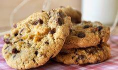Εύκολη συνταγή για μπισκότα με ταχίνι και μέλι! | ediva.gr Chocolate Chip Cookies Ingredients, Butter Chocolate Chip Cookies, Healthy Sweets, Healthy Snacks, Healthy Recipes, Tahini, Cake Bars, Food Crafts, Baked Goods