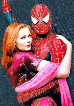 Marvel in film - 2002 - Tobey Maguire as Spider-Man & Kirsten Dunst as Mary Jane Watson - Spider-Man by Sam Raimi Spiderman 2002, Amazing Spiderman, Spiderman Sam Raimi, Spiderman Movie, Marvel Comics Superheroes, Marvel Characters, Marvel Movies, Marvel Dc, Mary Jane Watson