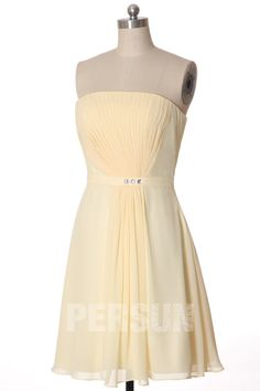 Jolie robe demoiselle d'honneur jaune clair courte drapé pour mariage cocktail Bustier, Cocktail, Formal Dresses, Fashion, Yellow Bridesmaids, Yellow Gown, Pink Color, Weddings, Dresses For Formal