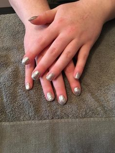 Silver glitter prom nails gel manicure