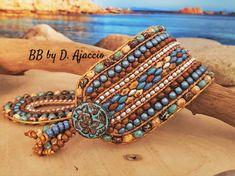 Bracelets Wrap En Cuir, Bracelet Wrap, Pearl Bracelet, Beaded Bracelets, Leather Cuffs, Leather Cord, Metal Buttons, Boho Chic, Glass Beads