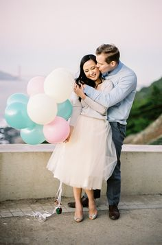Balloon engagement shoot in Golden Gate Park. Photography: Coco Tran - cocotranphotography.com  Read More: http://www.stylemepretty.com/2014/03/28/san-francisco-golden-gate-bridge-engagement-session/