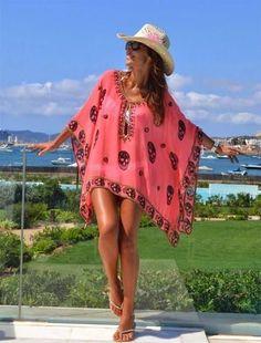 Trendy Beachwear for the Summer - Vestido tipo vacasiones , colores totalmente llamativos y alegres. Summer Wear, Summer Outfits, Easy Outfits, Mode Hippie, Beach Attire, Estilo Boho, Beach Dresses, Beachwear, Ideias Fashion