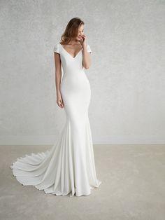 FEZ Brautkleid mit V-Ausschnitt
