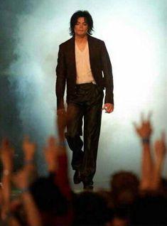 Michael Jackson at the 2001 Awards