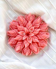 Diy Soap Carving, Soap Sculpture, Soap Wedding Favors, Forest Fruits, Decorative Soaps, Carving Designs, Art Carved, Christmas Star, Etsy
