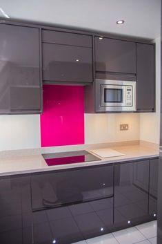 magenta on white glass kitchen splashback by creoglass design londonuk - Magenta Kitchen Design