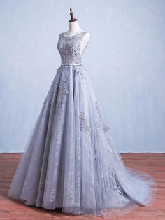 Ball Gown Scoop Neck Lace Tulle with Appliques Lace Sweep Train Backless Beautiful Ball Dresses