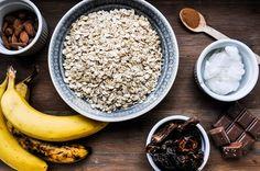 Bananen-Dattel-Müsliriegel_1 High Energy Foods, Food Inspiration, Acai Bowl, Clean Eating, Food And Drink, Low Carb, Breakfast, Sweet, Cookies