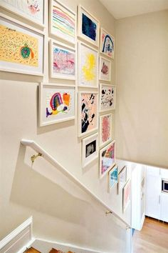 Clean Design Gallery wall with children's art in a play room designed by Claire Paquin of Clean Design. Photo by Donna Dotan (via House of Turquoise). House Of Turquoise, Ideas Decorar Habitacion, Playroom Decor, Kid Decor, Playroom Design, Kids Wall Decor, Playroom Colors, Living Room Playroom, Staircase Wall Decor