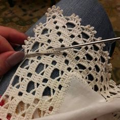Ideas for crochet lace edging ganchillo Crochet Boarders, Crochet Edging Patterns, Crochet Lace Edging, Crochet Motifs, Crochet Squares, Filet Crochet, Love Crochet, Beautiful Crochet, Crochet Doilies