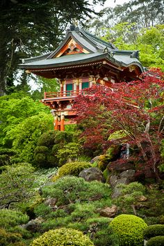 Tradition for our family to visit here when we visit San Fran.     janice.....Japanese Tea House | Flickr - Photo Sharing!